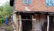 Casa taraneasca din Dranic nu este cu mult diferita de un bordei