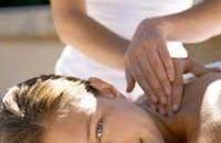 Masajul este principala metoda de tratament folosita pentru aplicarea uleiurilor volatile
