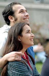 Multe probleme pot fi evitate daca tinerii isi fac analizele medicale inainte de casatorie