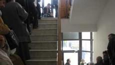 La ITM Dolj, cozile se intindeau ieri pe doua etaje