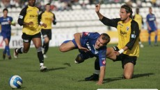 Sorin Vintilescu (albastru), marcatorul golului din tur, va avea o misiune mai grea la Timişoara