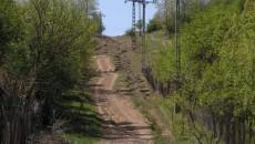 În capătul unei poteci pe care nu poate circula nici maşină, nici căruţă, se află satul Jeriştea, cu numai opt locuitori