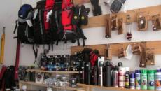 Rucsacuri, oale din materiale uşoare, tot ceea ce este necesar pentru petrecerea unui concediu