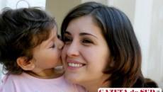 Femeile de carieră se bucură rareori şi de maternitate