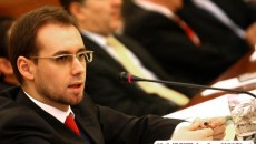 Ministrul justiţiei, Tudor Chiuariu, acuzat de ingerinţă în cercetările procurorilor