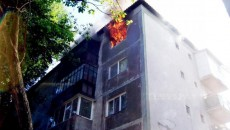 Flăcările au mistuit bunurile din apartament
