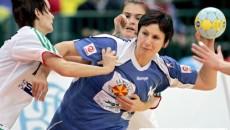 Medicii naţionalei fac eforturi  să o recupereze pe Steluţa Luca (centru) pentru meciul de la Udevalla