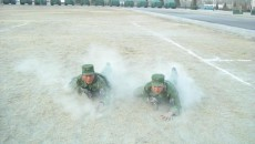 Soldaţi ai Armatei Populare Chineze