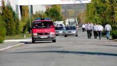 Mai multe autospeciale ale pompierilor, SMURD-ul şi două ambulanţe s-au deplasat ieri la Daewoo Craiova