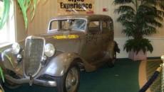 """Automobilul ciuruit de 167 de gloanţe, folosit în pelicula """"Bonnie and Clyde"""""""