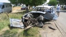 Impactul dintre autoturisme a fost violent