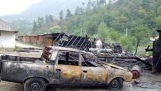 Autoturism ars în incendiu