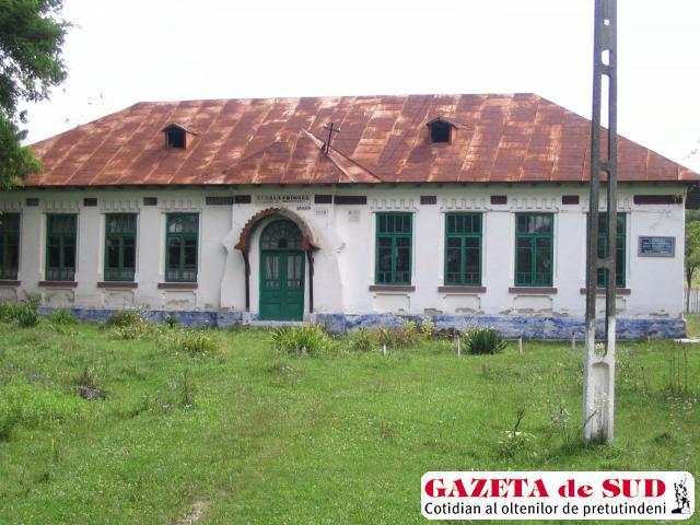 199 de unităţi de învăţământ din Vâlcea nu au primit avizul sanitar de funcţionare
