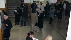 Judecătorii şi persoanele chemate în instanţă au fost evacuaţi