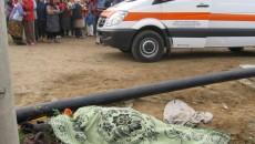 Un doljean şi-a pierdut viaţa după ce a căzut din căruţa cu care se deplasa şi s-a lovit cu capul de o dală din beton. Reprezentanţii Inspectoratului de Poliţie al Judeţului (IPJ) Dolj au precizat că ieri, în jurul orei 9.00, o persoană din Bratovoieşti a