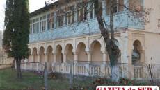 Complexul balnear din Costeşti, în paragină