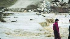 Precipitaţiile au reactivat alunecări de teren