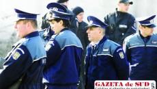 Uniforma de poliţie atrage tinerii care îşi caută loc de muncă