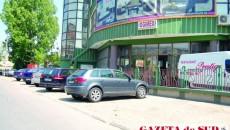 Trotuarul de pe bulevardul Dacia, interzis pietonilor