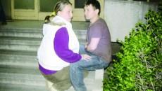 Cei doi soţi susţin că au fost  bătuţi fără motiv de poliţiştii comunitari