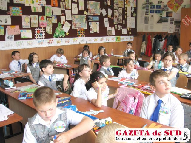 Micuţii Şcolii nr. 18 s-au alăturat luptei împotriva analfabetismului