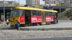 Tramvaiele germane recondiţionate transportă zilnic mii de craioveni, fără să dea semne de oboseală