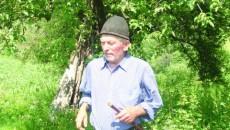 La 80 de ani, nedespărţit de fluier