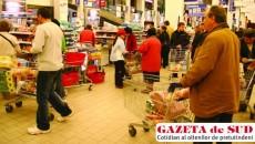 În 2010, românii vor cumpăra tot mai puţine produse