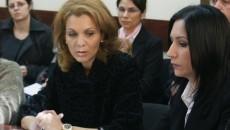 Mihaela Mocanu (foto stânga), directorul coordonator al OIR  POSDRU SV Olteania, a atras atenţia că ajutorul financiar în cadrul Schemelor de Ajutor de stat şi de minimis se solicită electronic