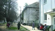Spitalul de Psihiatrie din Poiana Mare: pacienţii, la soare