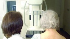 Nu ezitaţi să vă faceţi o mamografie o dată pe an, dacă aţi trecut de 40 de ani