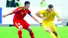 Chivu (în roşu) a făcut faţă cu greu duelurilor cu Şevcenko