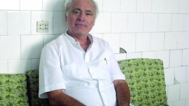 Medicul Paul Iancu, cel care i-a pus mâna în ghips copilului