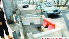 Traficul pe podul peste râul Olt se închide din cauza unei gropi apărute în carosabil