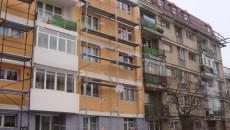 Autorităţile din Târgu Jiu au reuşit să reabiliteze termic doar 21 de blocuri