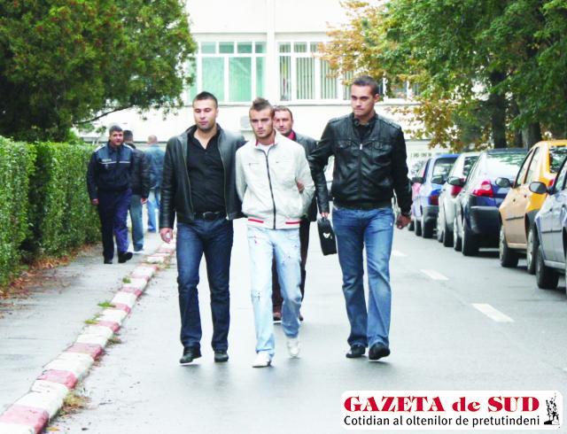 Voicu a fost prins şi dus la Poliţia Municipiului Craiova pentru audieri