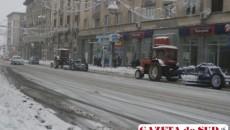Utilajele de deszăpezire acţionează în Craiova