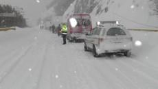 Maşinile au fost blocate între cele două căderi de zăpadă