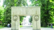 Sculptori din patru ţări vor crea în oraşul lui Brâncuşi