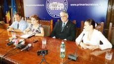 Viceconsulul Italiei, Marco Oletti (al doilea de la dreapta la stânga), ar vrea să aducă investitori la Craiova