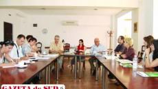 Reprezentanţii F-PRO au explicat ce fel de cursuri se vor  organiza pentru persoanele care locuiesc la ţară şi care doresc să lucreze în turism
