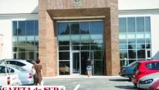 Grefierul Curţii de Apel Craiova este acuzat de comiterea infracţiunii de trafic de influenţă în formă continuată