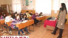 Comasarea urmăreşte efectuarea claselor cu efective maxime de 30 de elevi.