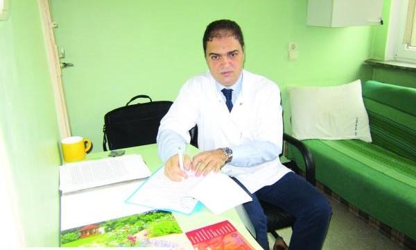 Dr. Adrian Fronie, şeful Clinicii de Chirurgie Orală şi Maxilo-Facială de la Spitalul Judeţean de Urgenţă Craiova, cel care a coordonat echipa de medici în timpul operaţiei