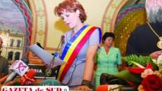 Lia Olguţa Vasilescu în anul 2012, la ceremonia de învestire în funcţia de primar al municipiuluI Craiova
