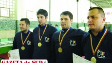 Dorian Pârvan (stânga), Daniel Nica, Liviu Dragomir şi Alin Sbîrcia sunt noii campioni naţionali la spadă masculin