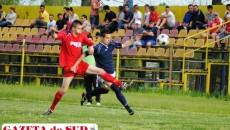 """Golul lui Renato Bălan (foto, în albastru) nu a ţinut-o în """"viaţă"""" pe CS Apa Craiova"""