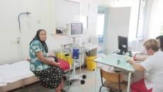 În camera de primiri urgenţe de la Spitalul de Boli Infecţioase din Craiova intră pentru consultaţii toţi pacienţii, indiferent de boală