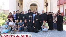 Slujbă Arhierească la Mănăstirea Arnota
