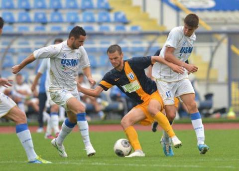 Dragalina (în galben albastru) a fost unul dintre cei mai buni jucători în partida cu Pandurii II (foto: facebook CS Universitatea)